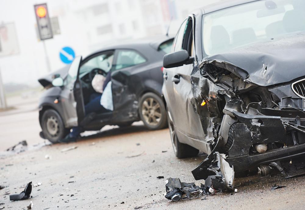 Savjeti koje morate znati šta trebate učiniti ako se blizu vas dogodi saobraćajna  nesreća - Kameleon M&M